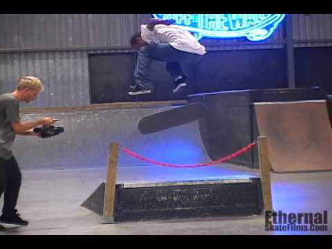 Ethernal Skate Films / Bastien Salabanzi 2012 (Pro Skateboarder) @ Southparc Skatepark
