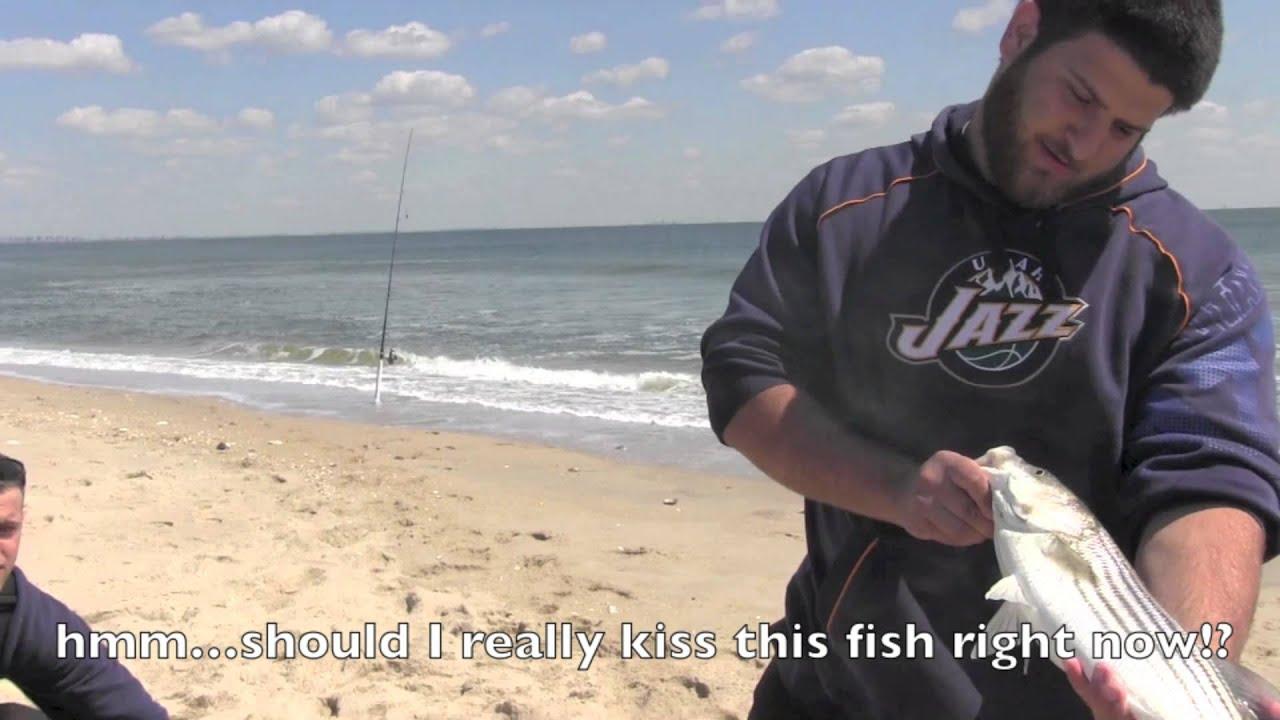 Agonyoutdoors sandy hook beach nj surf fishing youtube for Surf fishing nj license