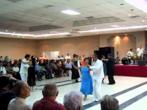 Danzón Xochimilco. Colectivo durante la muestra de Querétaro 2014. Danzonera de José Casquera.