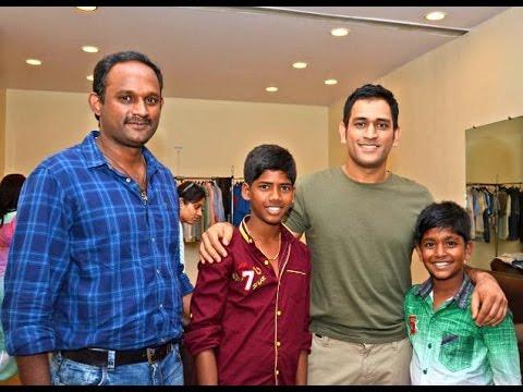 Kaaka Muttai heroes meet Dhoni | Ramesh, Vignesh, Manikandan | Hot Tamil CInema News