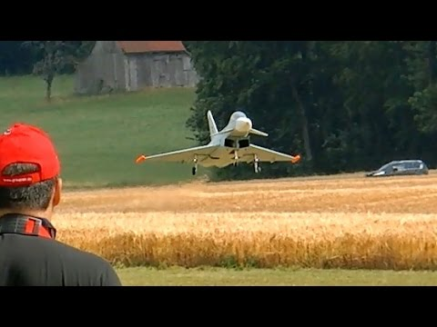 EUROFIGHTER TYPHOON GIANT RC TURBINE MODEL JET FLIGHT DEMONSTRATION / RC Airliner Meeting 2015