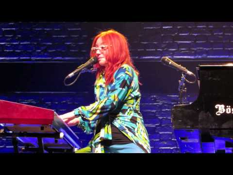 Tori Amos Brussels May 28th  2014 Honey