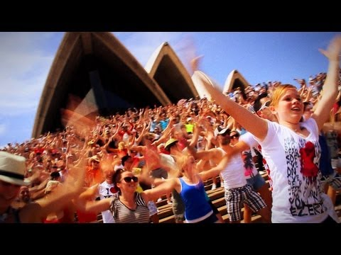 [Long Version] Minogue Flash Mob @ Sydney Opera House [OFFICIAL]