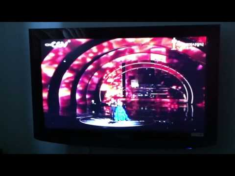 Oscars 2011: Zachary Levi and Mandy Moore perform