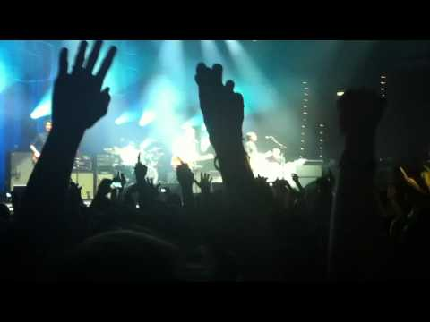 Noel Gallagher's High Flying Birds - Don't look back in anger (Oasis cover) Live Bologna (06/10/12)