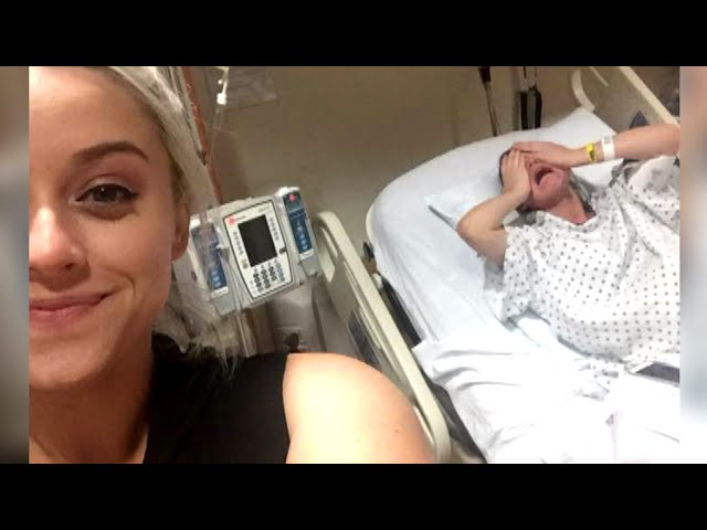 Woman Takes Ultimate Selfie With Sister In The Middle of Childbirth