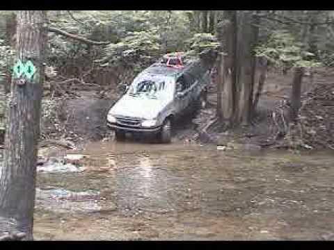 Ford Explorer 4X4 Crossing Stream
