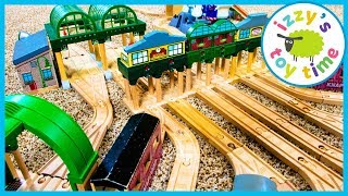 MRS. ROLLY! Thomas and Friends TRIPLE TRACK SIGNALS! Fun Toy Trains for Kids