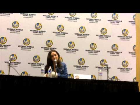 Eliza Dushku at Wizard World Reno
