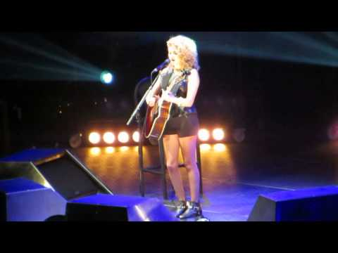 Pretty Young Thing (michael Jackson Cover) - Tori Kelly  Madison Square Garden - 1 11 2013 video