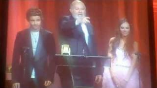 Rob Reiner calls Madeline Carroll and Callan McAuliffe on stage