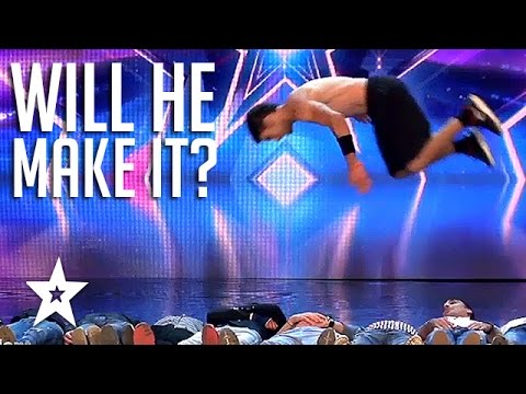 Guy Jumps Over 10 MEN! Arab's Got Talent 2017