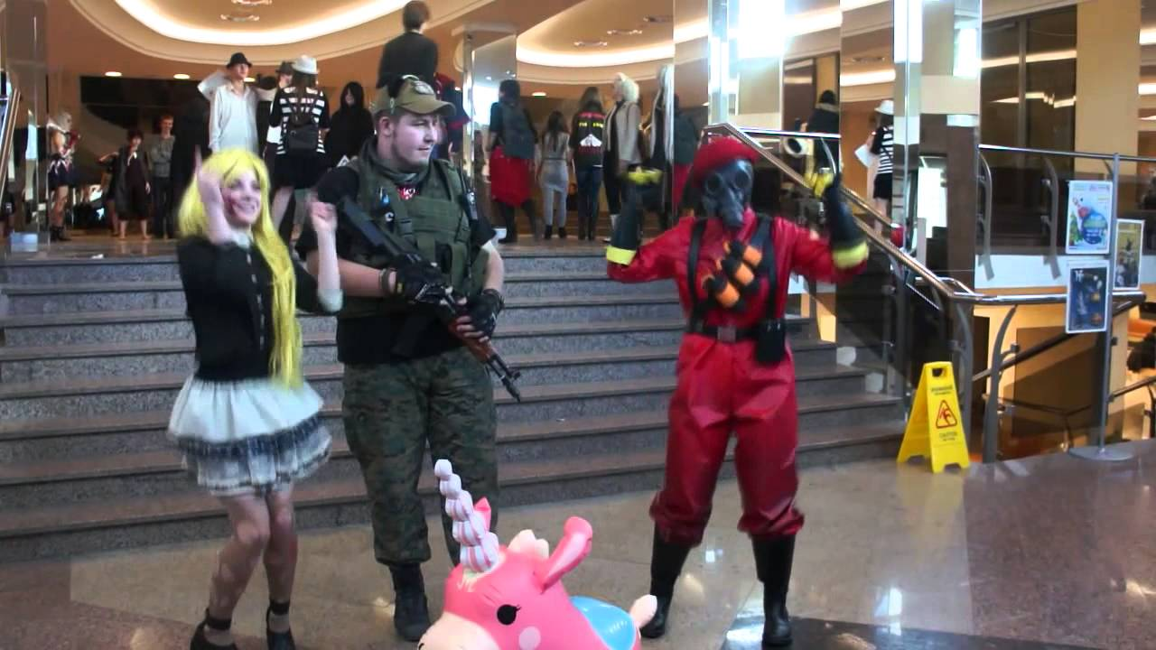 Pyro Tf2 Cosplay Team Fortress 2 Cosplay Video