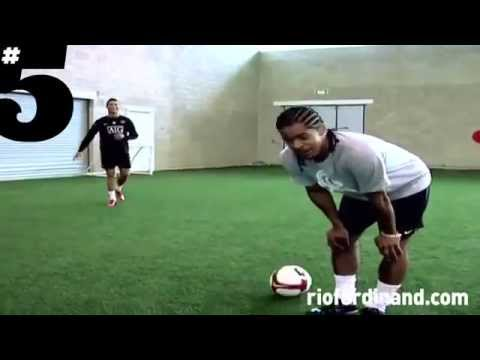 Neymar, Cristiano Ronaldo And Ronaldinho Freestyle video