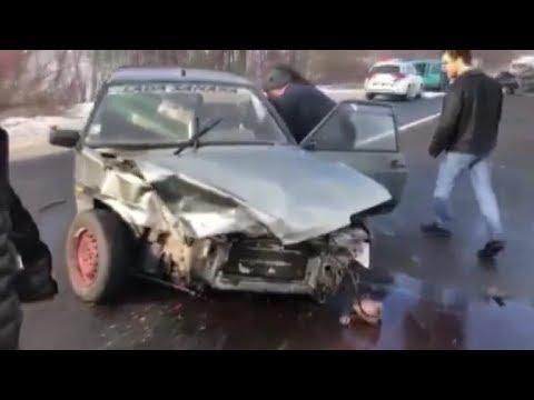 На Закарпаттті п'ять автомобілів потрапили в ДТП. Є постраждалі