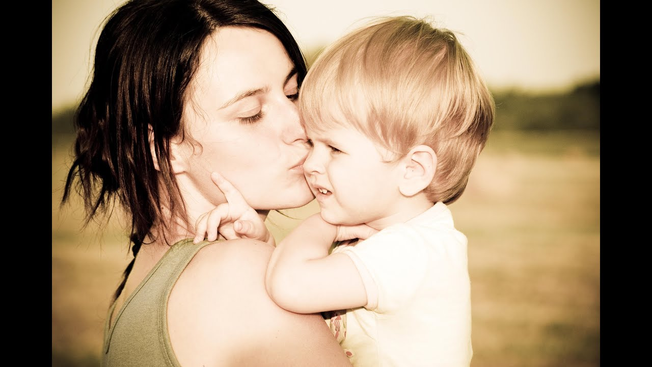 Сын цылует маму 19 фотография