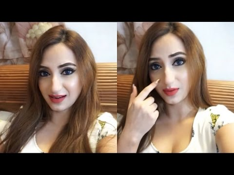 Removing Facial Hair : Shaving. Waxing & Threading! - VLOG   Aishwarya Kaushal