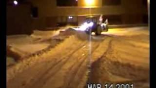 Deslamco - 19 - Tracteur pousse beaucoup de neige. 63sec