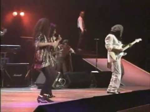 Chic & Sister Sledge - We Are Family (Live At The Budokan)