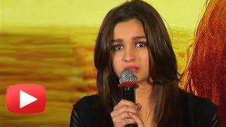 download lagu Alia Bhatt Cries At Highway Trailer Launch gratis
