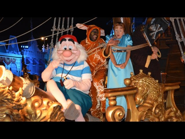 Peter Pan & Wendy w/ Captain Hook on Pirate Ship at Mickey's Not-So-Scary Halloween Party Boo-to-You