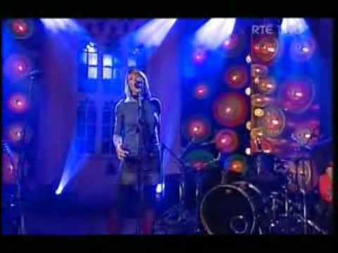 Irish Celtic Music Cerys Matthews The Galway Shawl Strange Glue