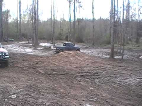 mud riding in east alabama Video