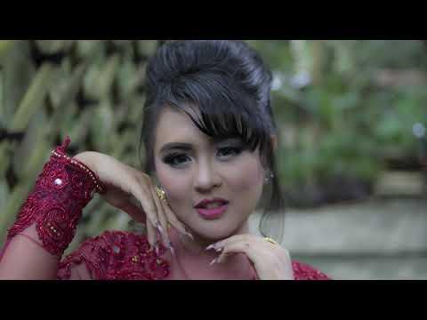 Download Ressy Kania Dewi - Daun Puspa  Audio Mp4 baru