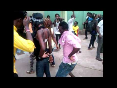 Nigeria: shake your bum-bum at the student party just like in Nigerian Movies