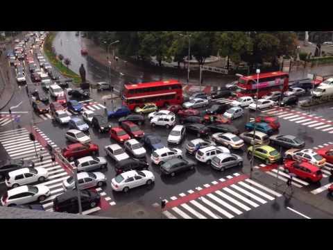 いつになったら解消される?マケドニアの首都で起こったカオスな交通渋滞