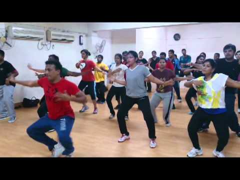 Badtameez Dil - Zumba Bangalore video