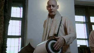 2011.04.21. Guru Puja, HG Sankarshan Das Adhikari - ISKCON Kaunas, LITHUANIA
