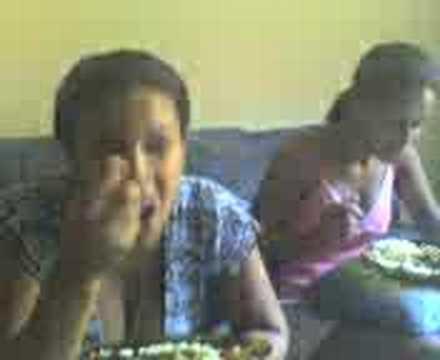 Gordinha Comendo !!!!!!!! video