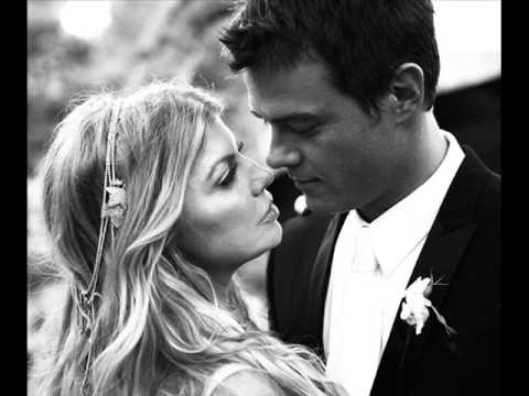 Fergie and Josh Duhamel... Love story...