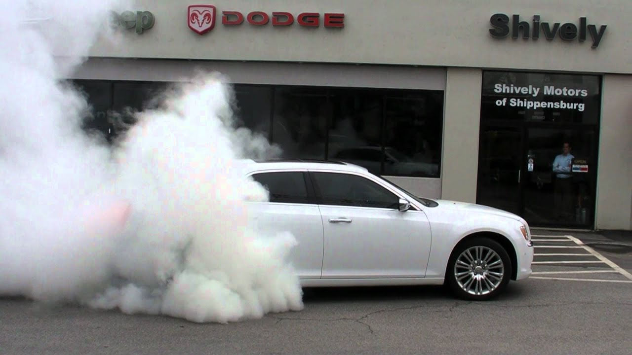 2011 Chrysler 300c Burnout In Hd Youtube
