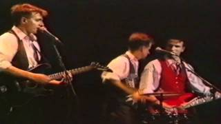 Watch Crowded House Sister Madly video