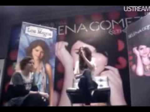 Selena Gomez Canta Naturally  En Español video