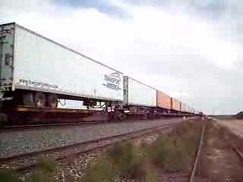 BNSF 7605 west at Joseph City, AZ 8Sept07