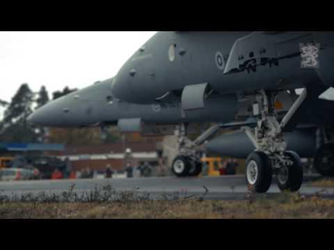 VIDEO - Des F/A-18 Hornet Finlandais et des JAS-39 Gripen Suédois opèrent depuis une autoroute