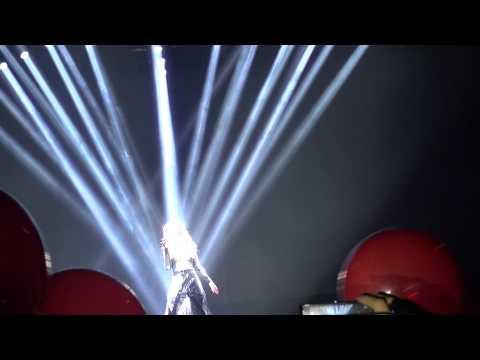 Mal� - [01] Ni un paso atr�s. Concierto Mal� Palau Sant Jordi 2013