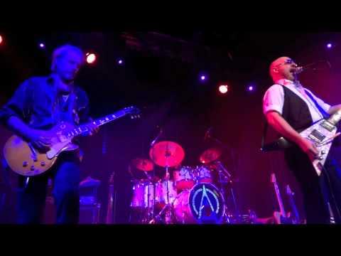 Wishbone Ash - 13-01-2012 @ Boerderij Zoetermeer - 02. Open Road