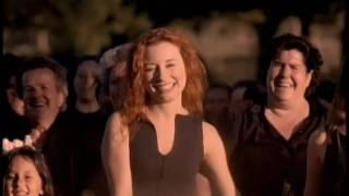 Клип Tori Amos - Past The Mission