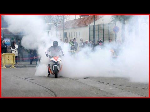 BIKE STUNTS Honda CBR and Yamaha R6 Wheelies,Burnouts (Stunt Bike Show)