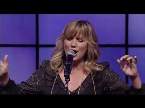Jennifer Nettles- That Girl (live) video