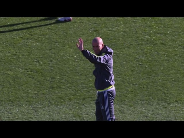 Zidane cheered at first Real Madrid training session
