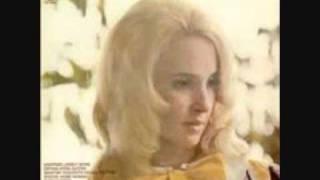 Watch Tammy Wynette Keep Me In Mind video