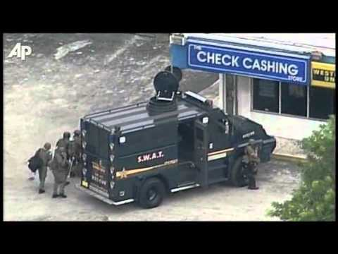 Raw Video: SWAT Team Surrounds Fla. Store