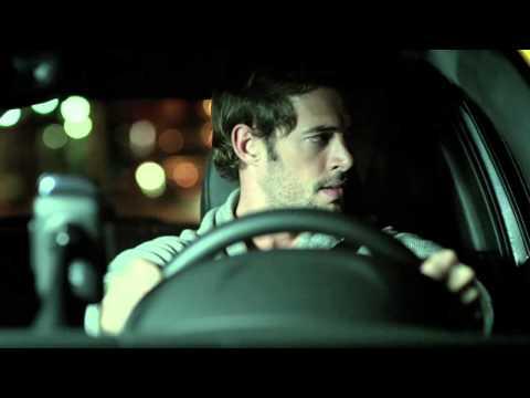 Angelique Boyer y William Levy - Con Todas Las Bolsas Ganas (Comercial)
