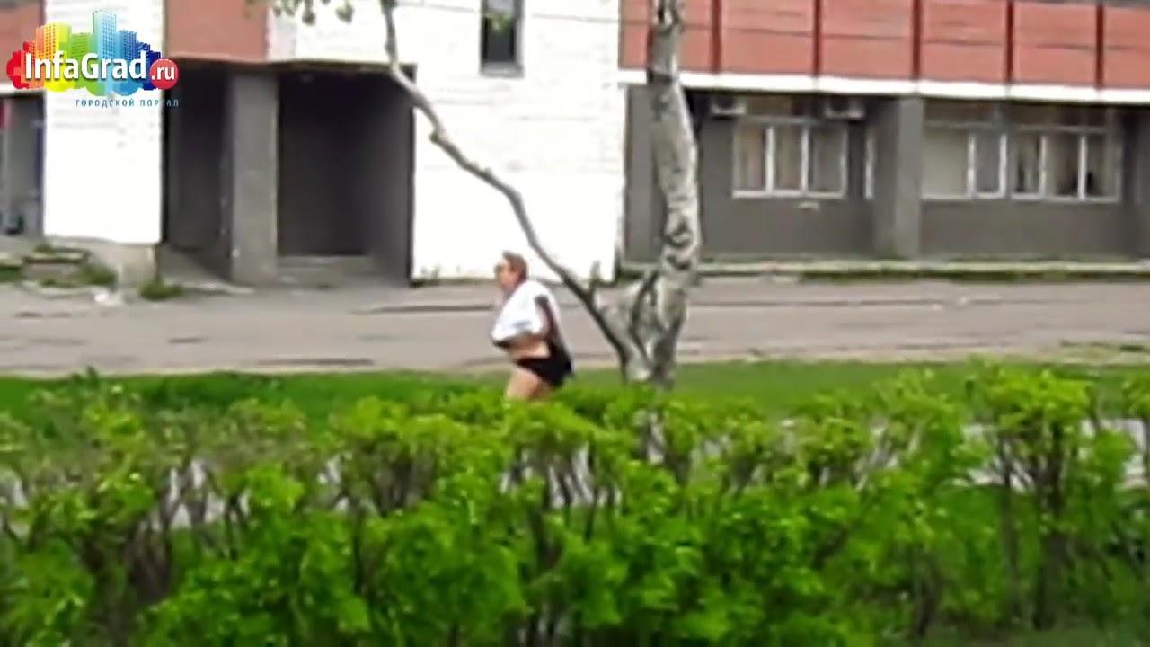 Сестра ходит полуголой 23 фотография