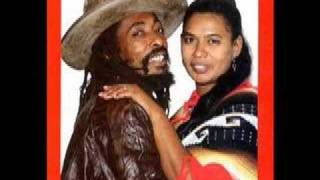 Watch Ijahman Levi I Sing The Albums video